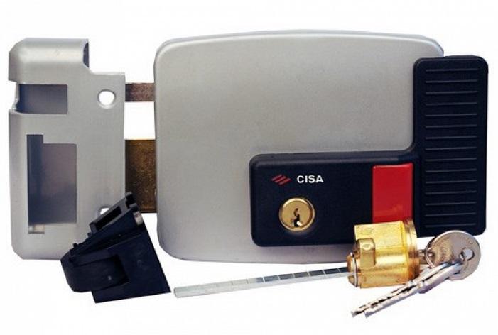 Видеодомофон для частного дома с электромеханическим замком